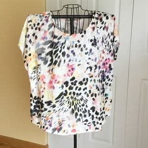 Colorful lightweight top